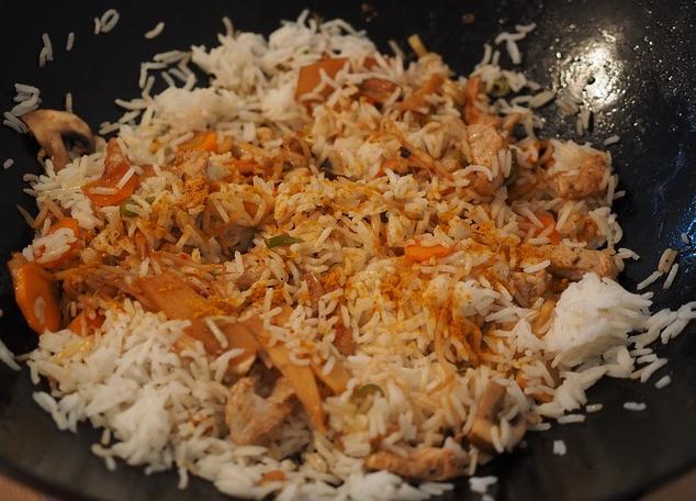 Reisgericht in Wokpfanne