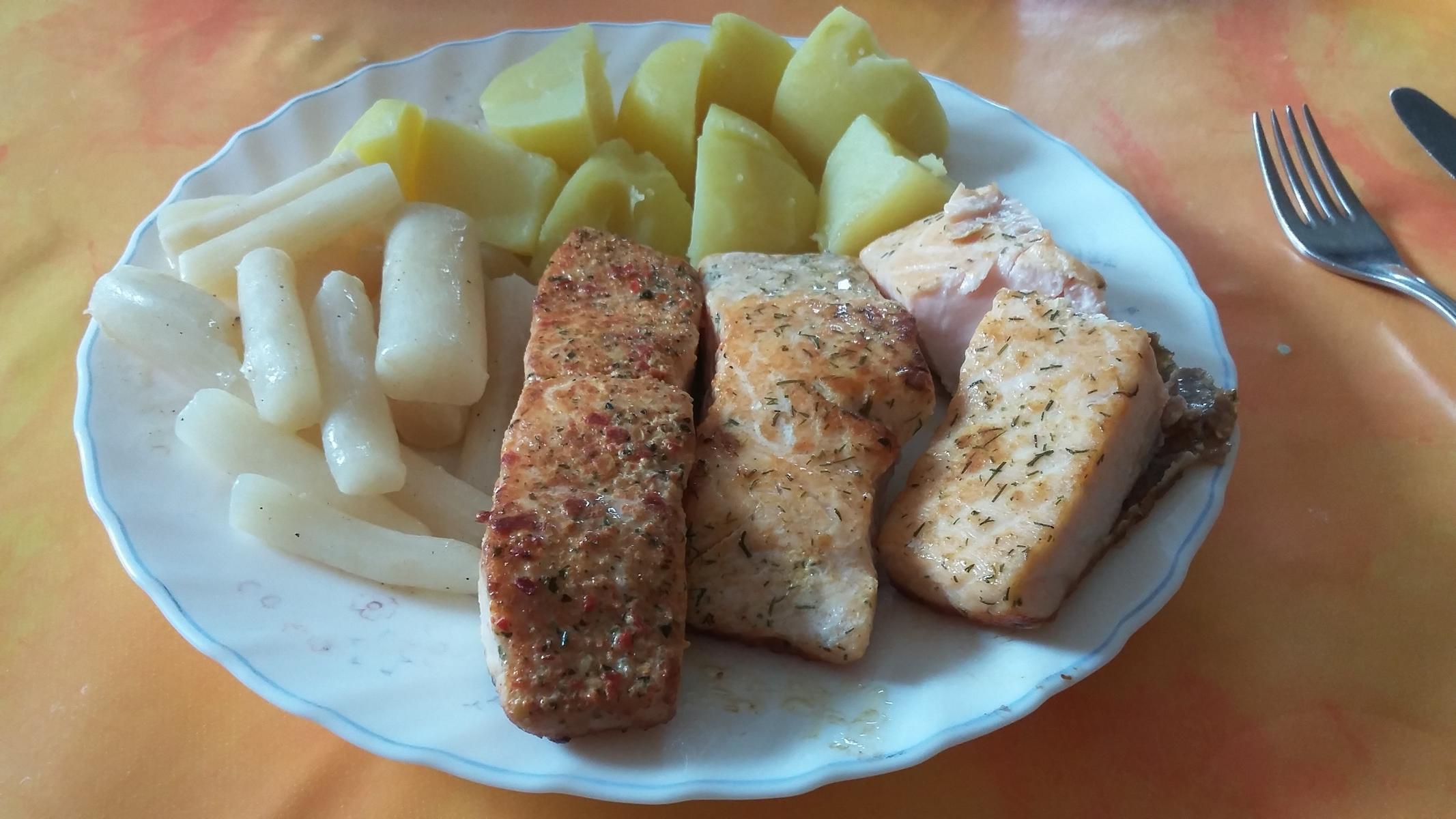 Kartoffeln mit Lachs und Weißwurzel